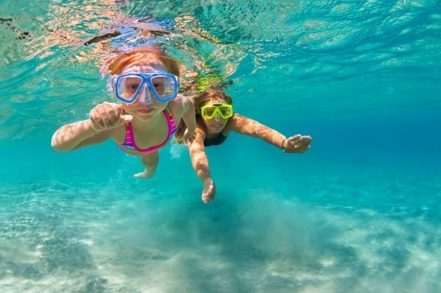 small group snorkeling in Destin, FL