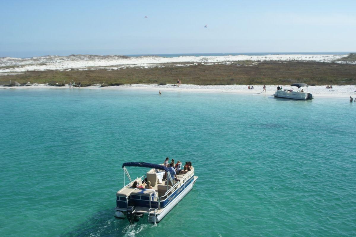 Fort Walton Beach pontoon boat rentals