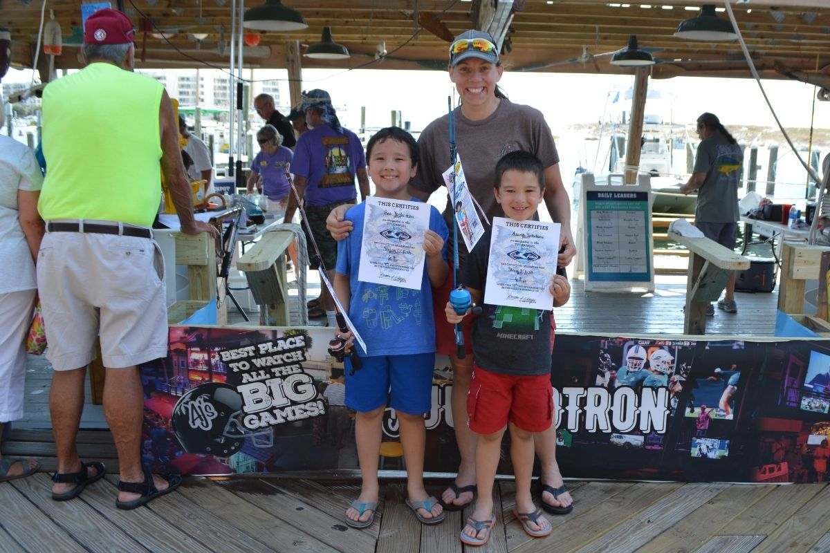 anglers at the Destin Fishing Rodeo