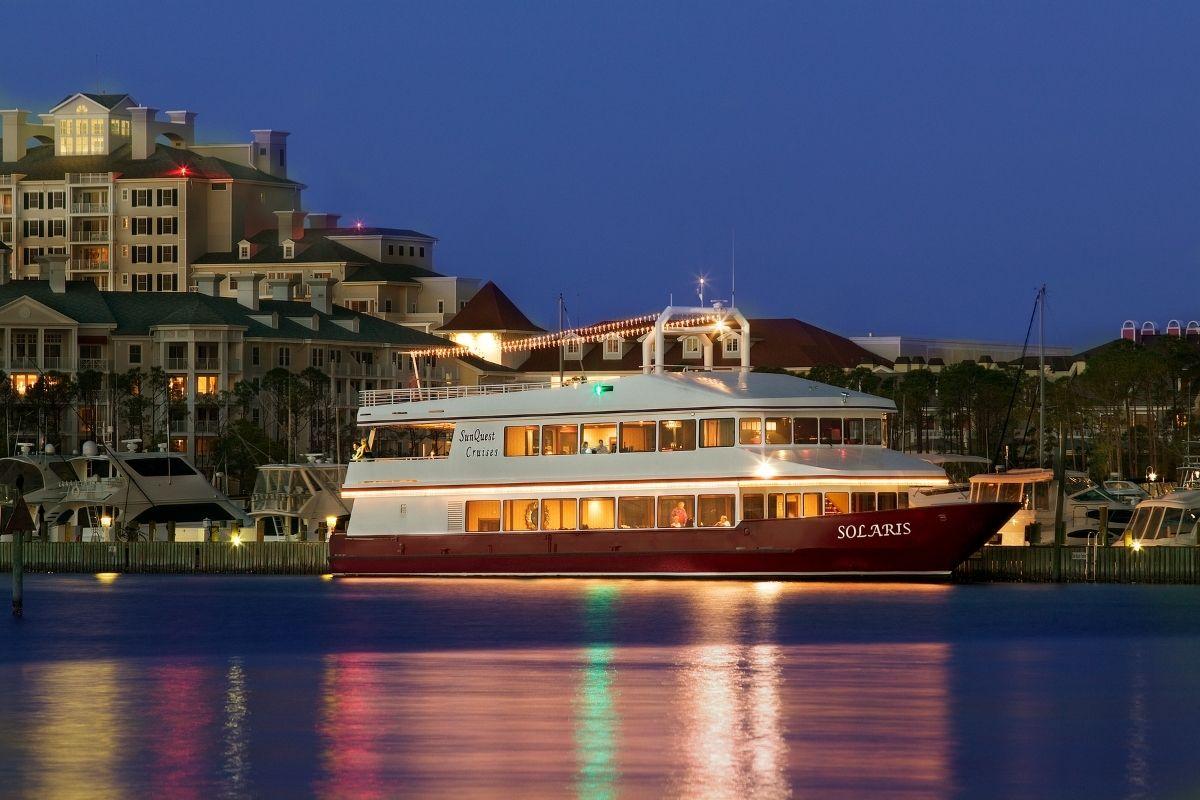 destin dinner cruise departing from Baytowne Wharf