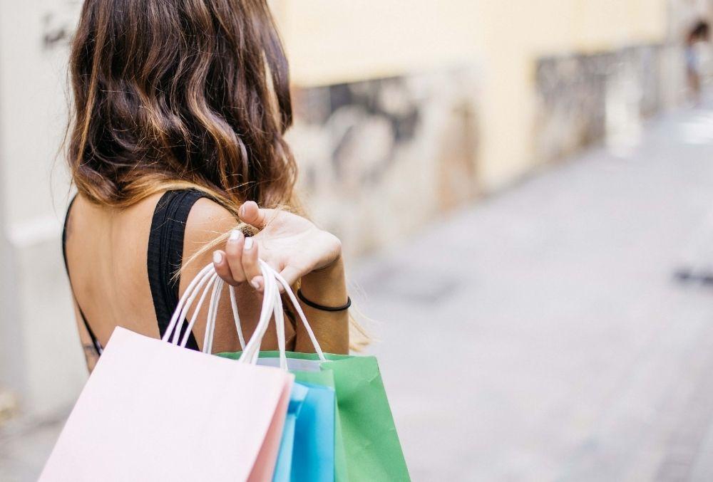 outdoor shopping in Destin-FWB