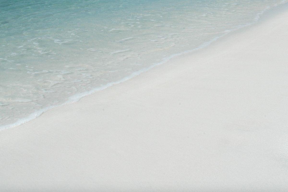 white sand at Crab Island